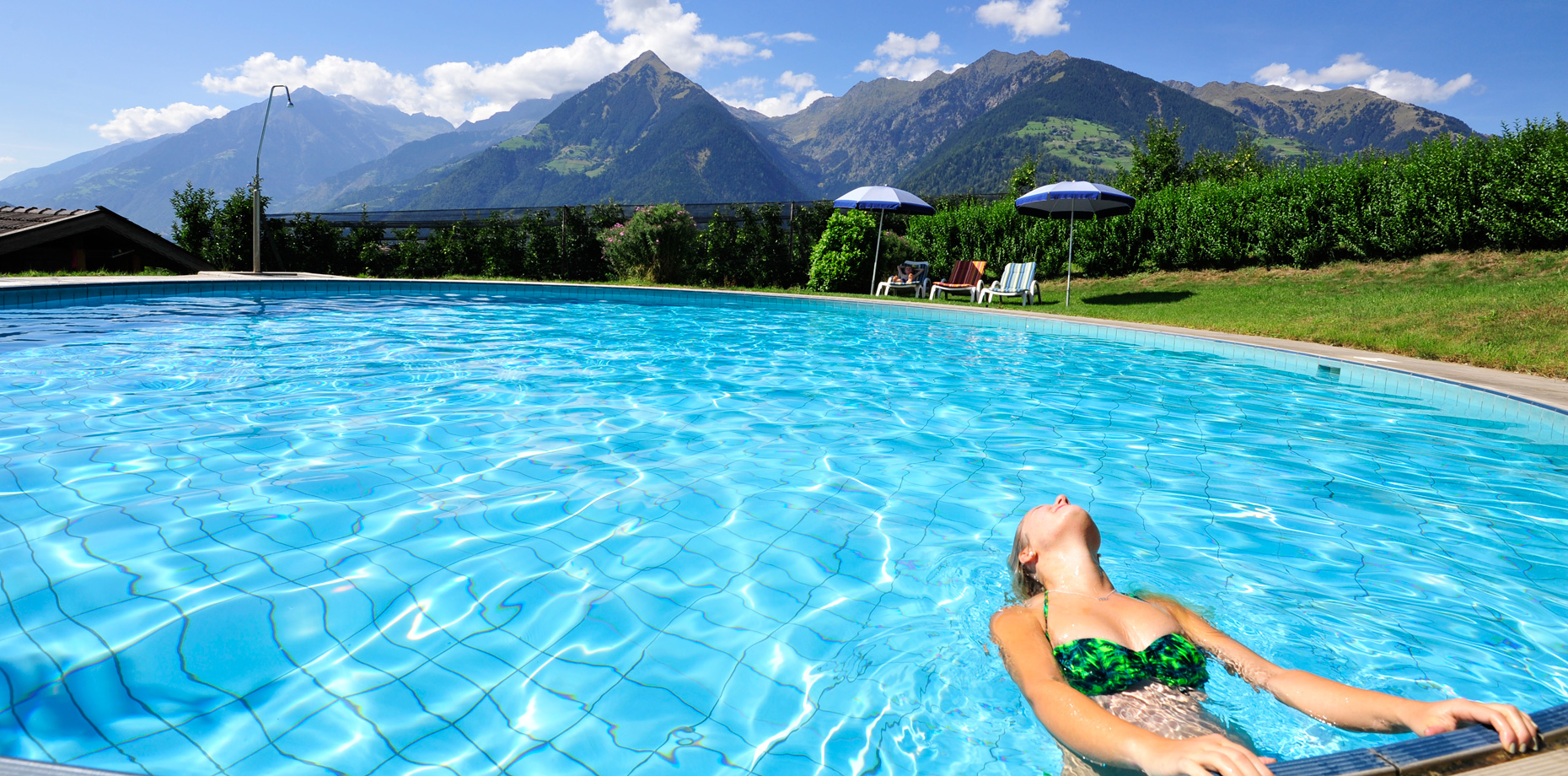 Pension Laurin - Garten & Pool